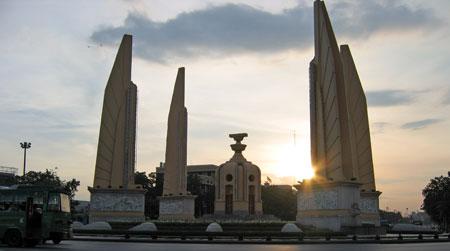 democracy-monument