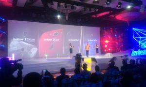 CEO ASUS, Jerry Shen mengenalkan empat varian terbaru dari generasi Zenfone 2 di gelaran Asus Zenfestival 2015