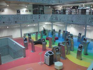 800px-National_Technical_Library_Prague-information_kiosks