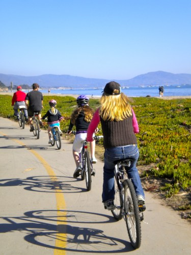 Oceanside bike path in Santa Barbara, California, from Christa Clark Jones, Santa Barbara Cycle Chic