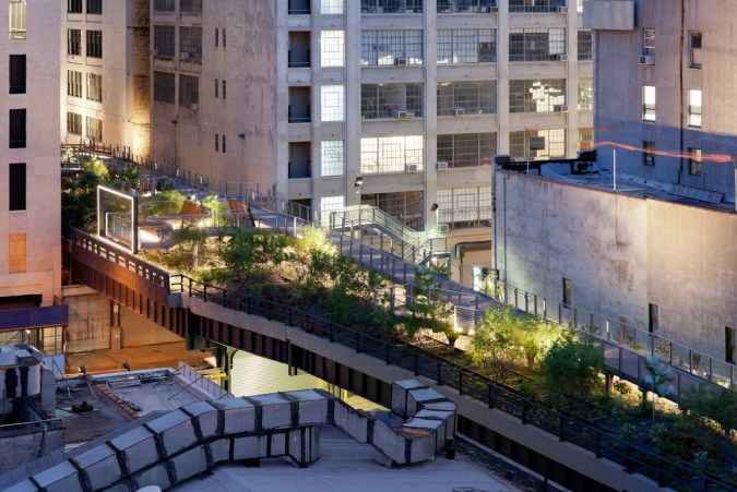 © Iwan Baan, 2011 - High Line Park Photos