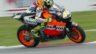 Rossi's crossed-up wheelie, Malaysian MotoGP, 2003