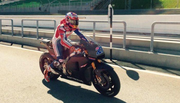 stoner test sepang motogp 2015