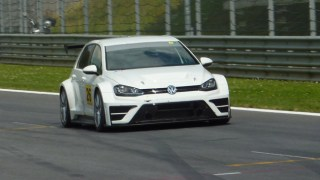 VOLKSWAGEN-GOLF-TCR