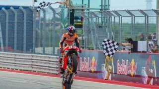 marquez-austin-vittoria-motogp-2016-impennata