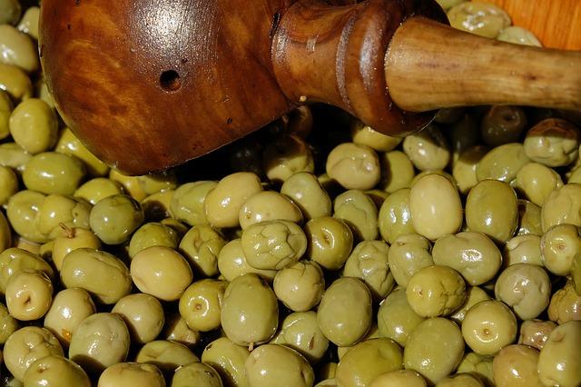 olives-2193467_640