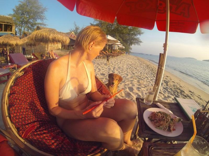 Middag med herreløse hunde, Otres beach, Cambodia