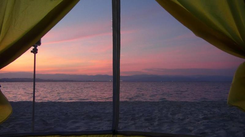 camping on mamutik island, telt, tent, borneo, malaysia, sunrise on mamutik