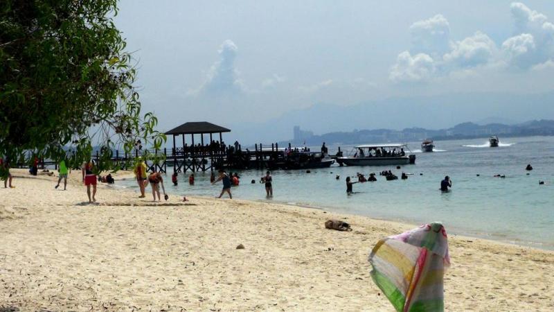 camping on mamutik island, telt, tent, borneo, malaysia