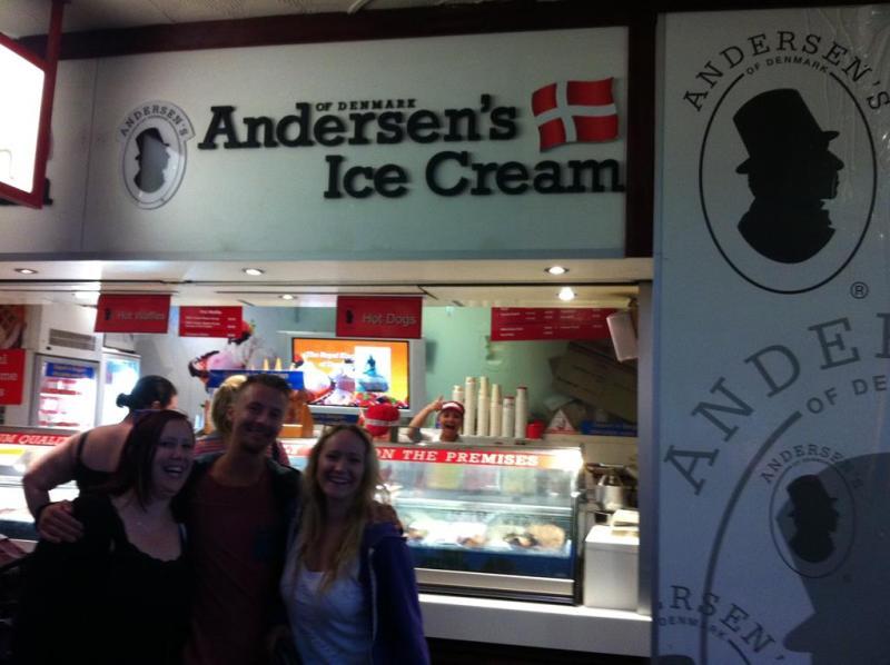 Aftenen blev sluttet af med lidt dansk is