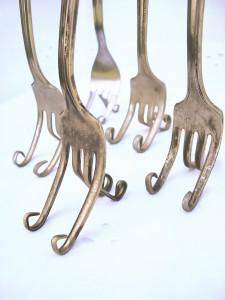vintage-fork-easels