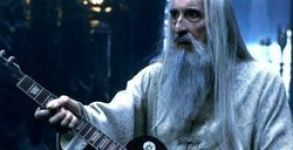 saruman-guitar-rpg-iniciativanerd-w320