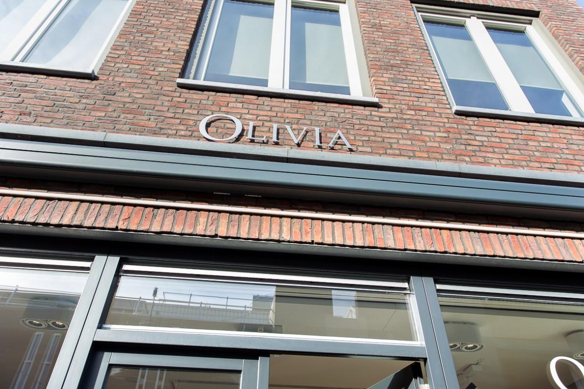 03 Olivia