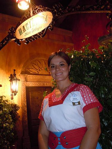 La Hacienda de San Angel entrance with cast member
