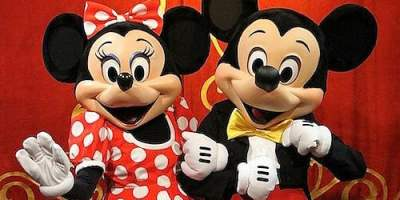 town-square-theater-mickey-minnie