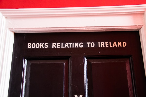 Books relating to Ireland at Marsh's Library @insidetravellab