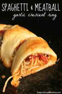 Spaghetti & Meatball Garlic Crescent Ring