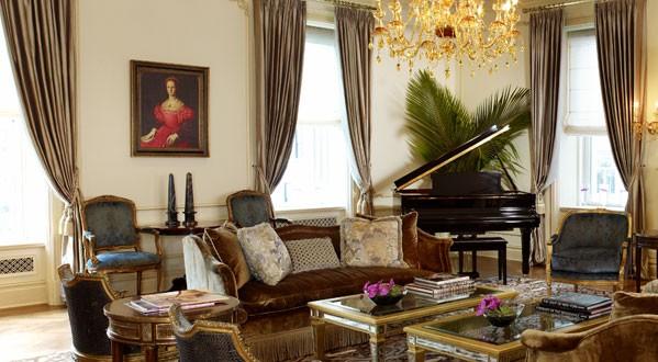 royal-suite-01