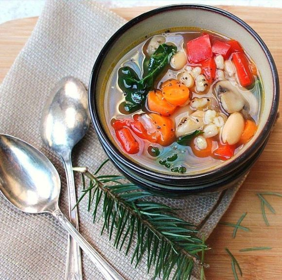 pearled barley soup with white bean and kale