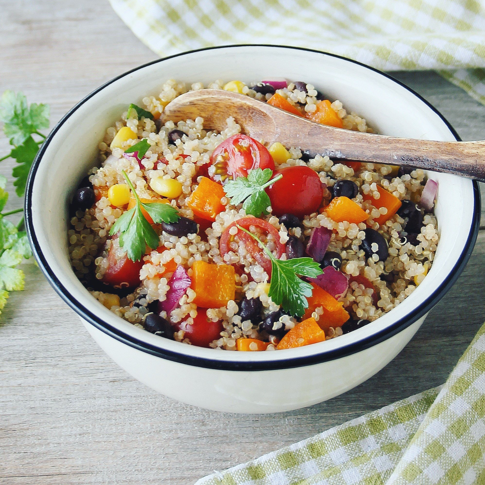 Southwestern-Quinoa-Salad-with-Honey-Lime-Vinaigrette[1]