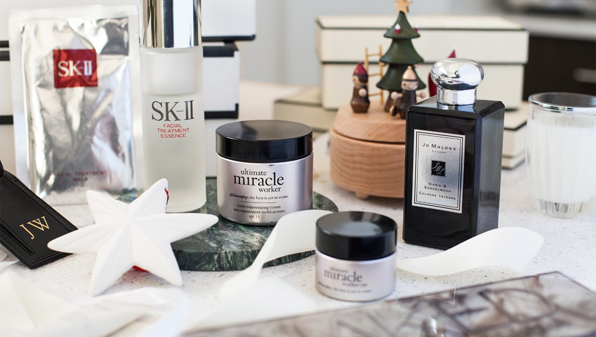Christmas gift guide for beauty lovers by Inspiring Wit blogger Jenelle Witty @inspiringwit featuring Jo Malone, philosophy, SK-II, The Daily Edited,