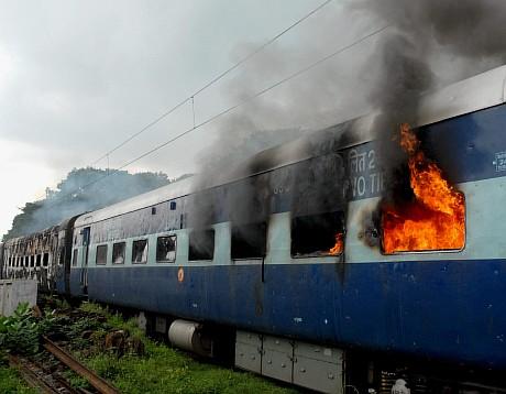 burning train1 nqINU 32290