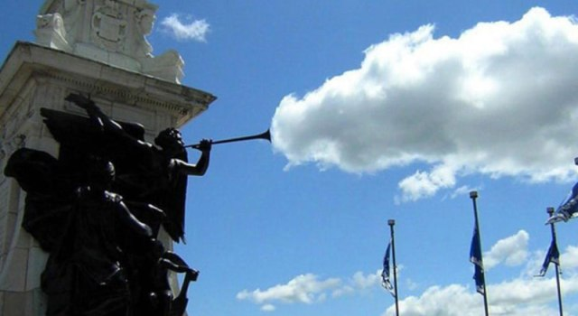 statue-cloud-perfect-timing.jpg
