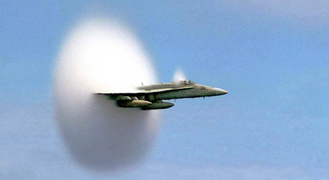 airplane-breaking-the-sound-barrier-perfect-timing.jpg