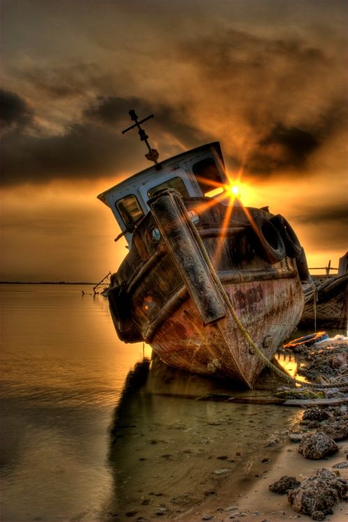abandoned_ships_at_sea (10)