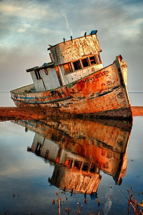 abandoned_ships_at_sea (3)