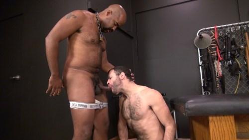interracial-blowjob
