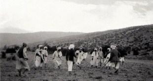 مباراة ثاكورث مصورة من طرف Germaine Tillion في جنوب أوراس في سنوات الثلاثينات