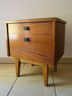 vintage_1960s_drinks_cabinet_ioanastoian.com_2