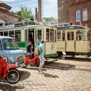 Historische Straßenbahnen in Magdeburg unterwegs