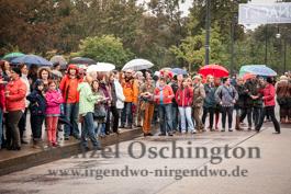 Magdeburger Kulturnacht | Frederike Walter mit einer Friedenstaube