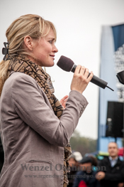 Magdeburger Kulturnacht |  Frederike Walter singt einen Lakomi-Titel