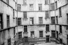 Hinterhof Karl-Marx-Straße 229a  |  Magdeburg 1989