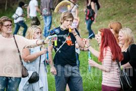 Seifenblasen Flash Mob an der Sternbrücke