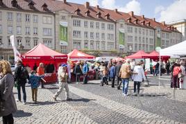 ... so begeht Magdeburg den 1. Mai - Familienfest Alter Markt