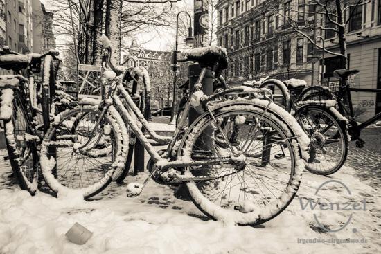 Winterspaziergang, Magdeburg, Fahrräder –  Foto Wenzel-Oschington.de