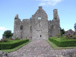 Tully Castle - © Copyright Kenneth Allen and licensed for reuse under Creative Commons License