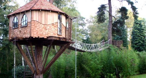 custombuilt cedarclad treehouse by blue forest project costs from 50000 treehouse masters irish cottage