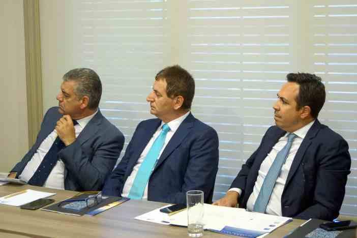 (Α-Δ): κ. Δημήτρης Πατρίκιος, καπτ. Δημήτρης Ματθαίου, κ. Στράτος Τσαλαμανιός