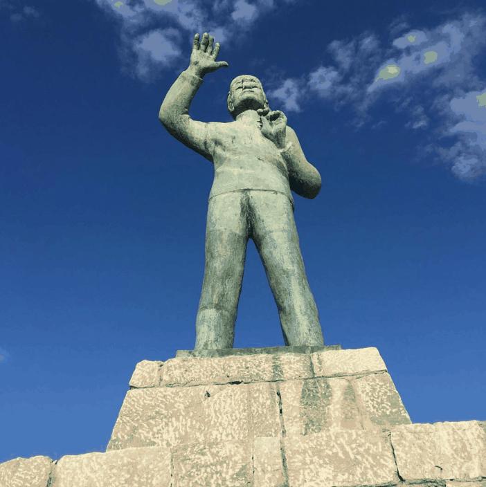 6. Monument to the seaman. Credits to Iliasmiles