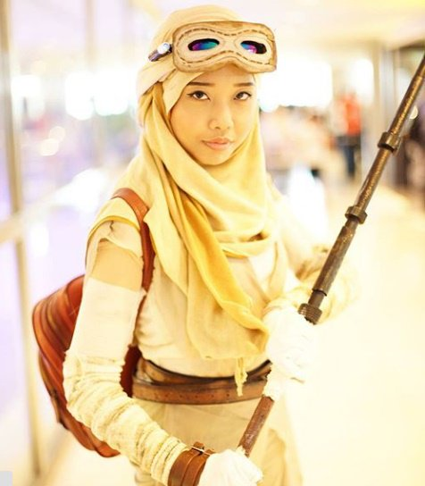 Cosplay: Rey from Star Wars: The Force Awakens