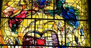 By Marc Chagall (Own work) [CC BY-SA 3.0 (http://creativecommons.org/licenses/by-sa/3.0) or GFDL (http://www.gnu.org/copyleft/fdl.html)], via Wikimedia Commons