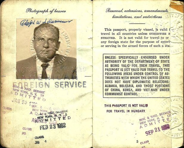 1958 passport issued to Al Schwimmer which he used on his official trips as head of the IAI - Israel Aerospace Industries. Photo: Huddyhuddy