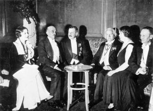 Vera Weizmann, Chaim Weizmann, Herbert Samuel, Lloyd George, Ethel Snowden and Philip Snowden