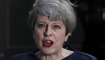 Gran Bretagna, Si del Parlamento alle elezioni anticipate chieste dal Primo Ministro May