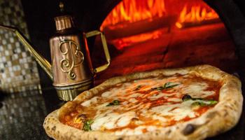 """Unesco: riconoscimento per la """"Pizza Napoletana"""""""